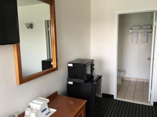 Hollywood Travelodge photo 22