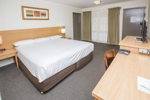 ibis Styles Canberra Eagle Hawk photo 35