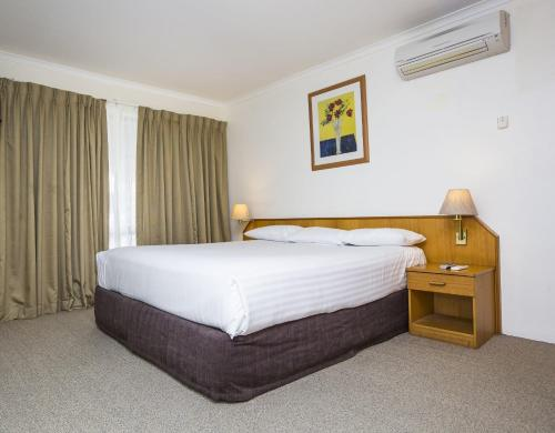 ibis Styles Canberra Eagle Hawk photo 39