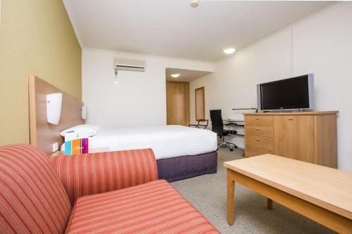 ibis Styles Canberra Eagle Hawk photo 61