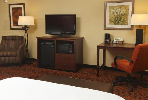 Hampton Inn & Suites Fargo Photo
