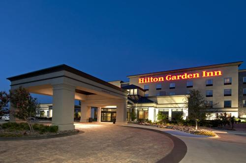 Hilton Garden Inn Fort Worth Alliance Airport In Roanoke Tx Swimming Pool Outdoor Pool