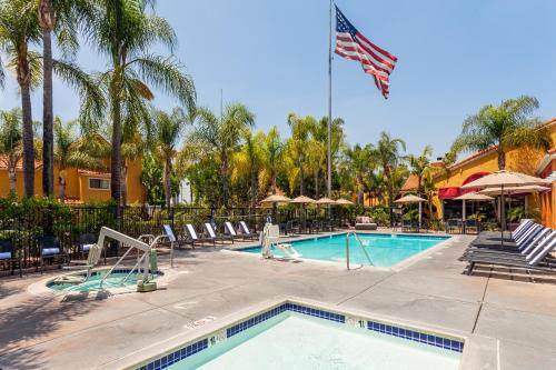 Residence Inn by Marriott Anaheim Maingate Photo