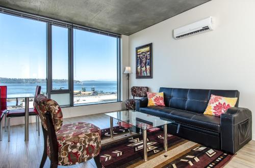Seattle View Apartment - Seattle, WA 98104