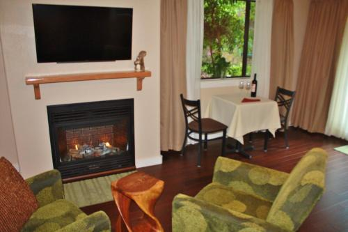 The Inn at Shasta Lake - Lakehead, CA 96051