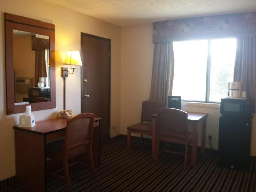 Travelodge Colorado Springs Photo