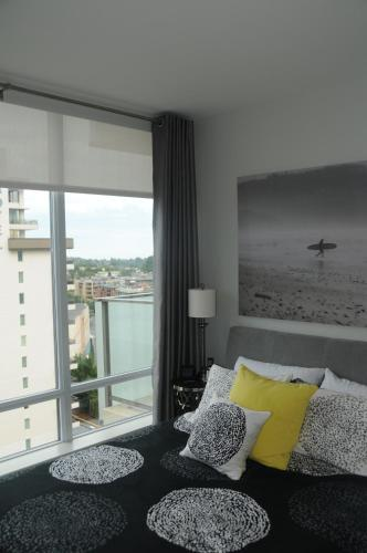 Luxury Condo at the Falls Photo