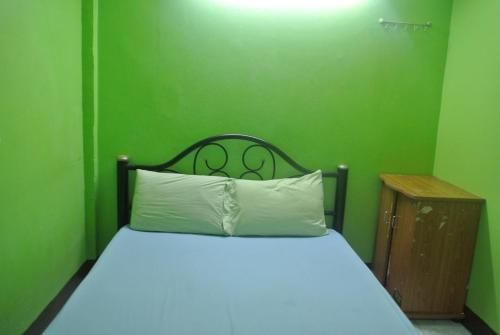 Отель Khaosan Rainbow Hostel