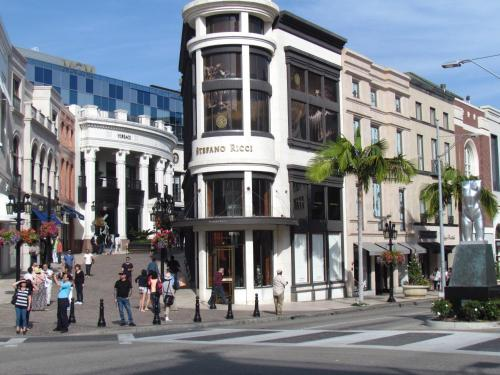 Apartment Next To Rodeo Drive - Los Angeles, CA 90210