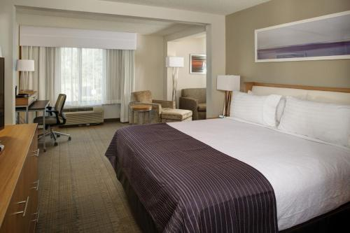 Holiday Inn Franklin - Cool Springs Photo
