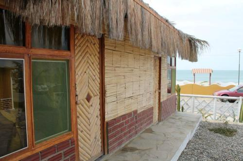 Black Marlin Lodge & Restaurant Photo