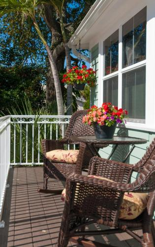 SeaGlass Inn Bed and Breakfast Photo