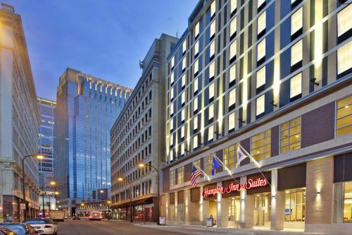 Hampton Inn & Suites - Minneapolis/downtown photo