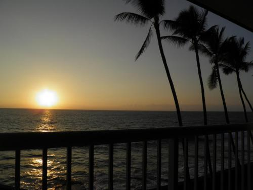 Oceanfront Kona Magic Sands Photo
