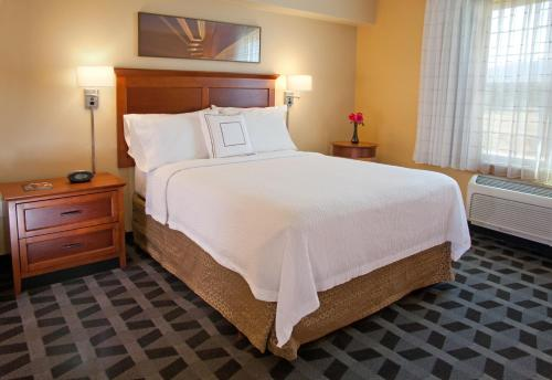 TownePlace Suites Medford Photo