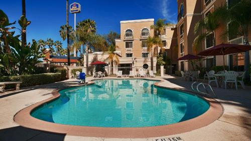 Picture of Best Western Escondido Hotel