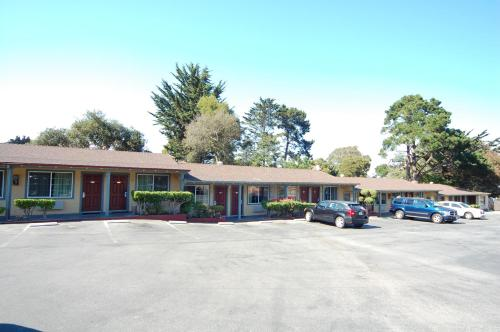Monterey Surf Inn Photo