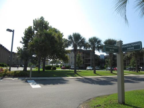 Hilton Head Island Beach and Tennis Resort Photo