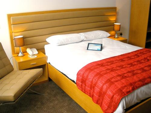 Photo of Comfort Hotel Luton Hotel Bed and Breakfast Accommodation in Luton Bedfordshire