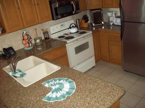 302E at Sandy Beach resort Photo