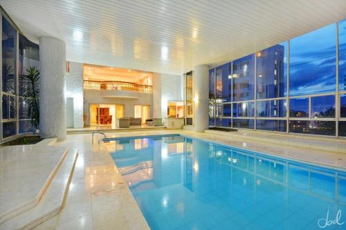 PRESTIGIOUS 10000SQFT PENTHOUSE INDOOR POOL 70 METERS0