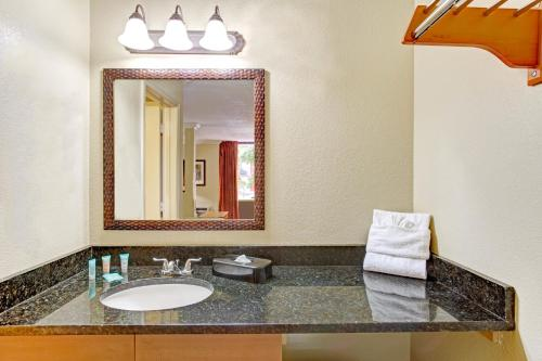 Days Inn Kissimmee West Photo