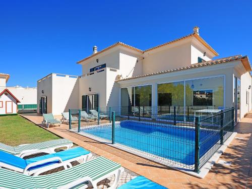 holidays algarve vacations Albufeira Five-Bedroom Holiday Home Albufeira 2