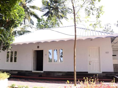 Essaar Serviced Villa And Resorts