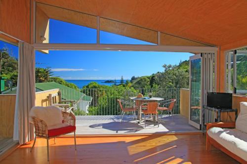 barefoot spirit Barefoot spirit retreats sandra levine and peter noblet run these amazing ayur-yoga retreats in beautiful locations in australia and overseas if you are looking for a unique retreat experience that combines yoga, ayurveda, massage and some local excursions this will be just what you need.