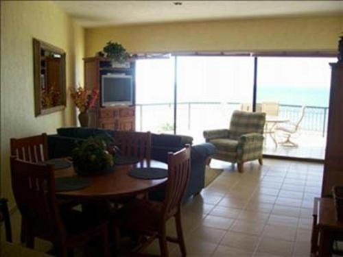 403W at Sandy Beach resort Photo