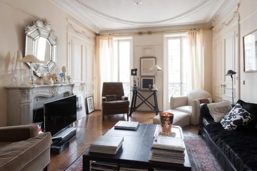 onefinestay - Rue du Vieux Colombier private home - фото 0