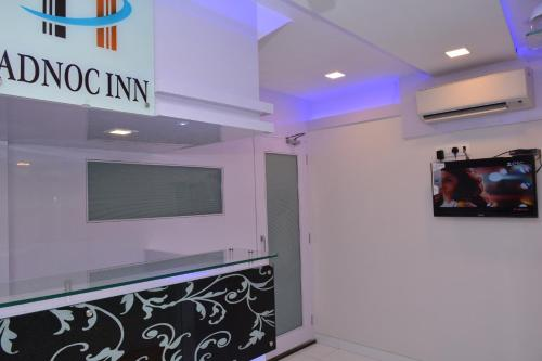 http://www.booking.com/hotel/in/adnoc-inn.html?aid=1728672