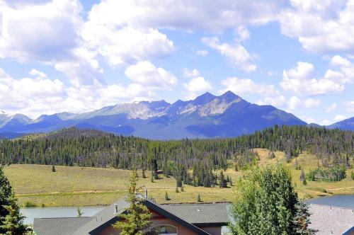 Corinthian Hills by Colorado Rocky Mountain Resorts Photo