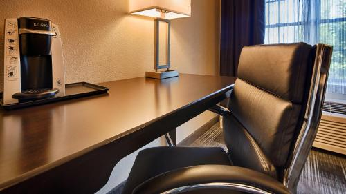 Best Western Hartford Hotel and Suites Photo