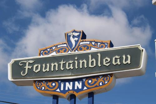 Fountainbleau Inn Photo