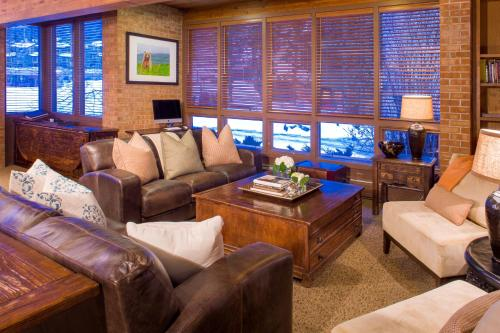 Snowmass Mountain Chalet Photo