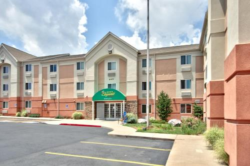 MCM Elegante Suites - Colorado Springs, CO 80918
