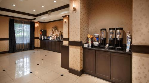 Best Western Plus DFW Airport West Euless Photo