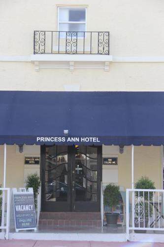 Princess Ann Hotel Photo