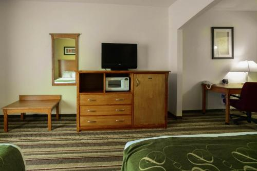 Comfort Suites Marion Photo