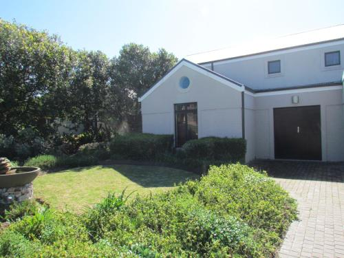 Milkwood Lynx 4 Holiday Home Photo