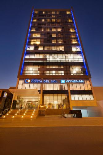 Costa del Sol Wyndham Lima City Photo