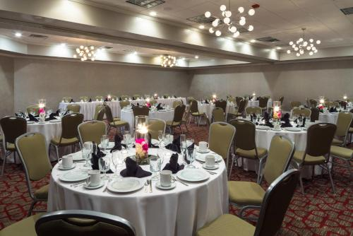 DoubleTree by Hilton Austin Northwest - Arboretum photo 23