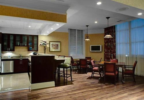 SpringHill Suites Memphis Downtown Photo