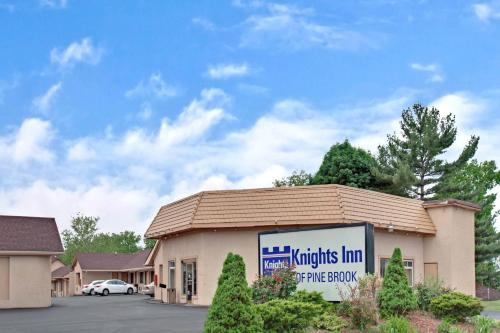 Knights Inn of Pine Brook Photo
