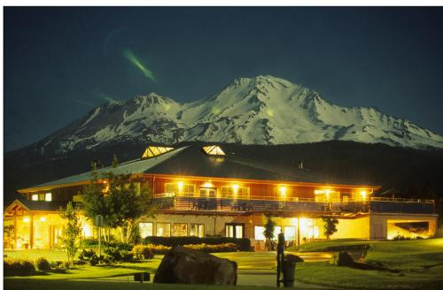 Mount Shasta Resort Photo