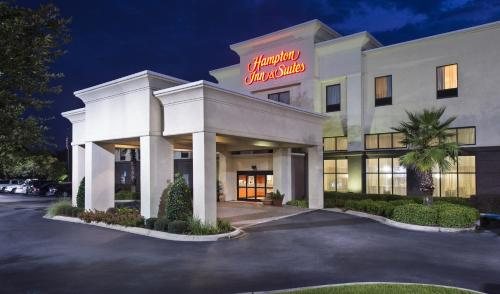 Hampton Inn & Suites Pensacola I-10 N at University Town Plaza Photo