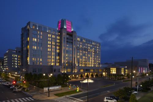 Renaissance Montgomery Hotel & Spa at the Convention Center Photo