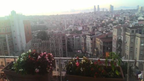 Istanbul 1 BR 1 LR Apartment phone number