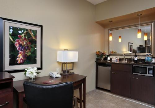 Hampton Inn & Suites Paso Robles Photo